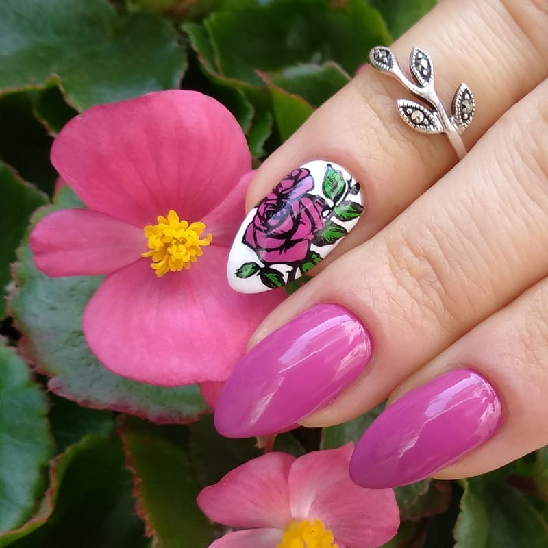Classy Purple Nails with Exceptional Nail Art