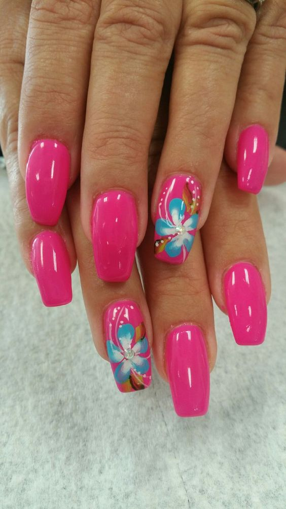Gorgeous Floral Pink Nail Art for Chrome Nail Design