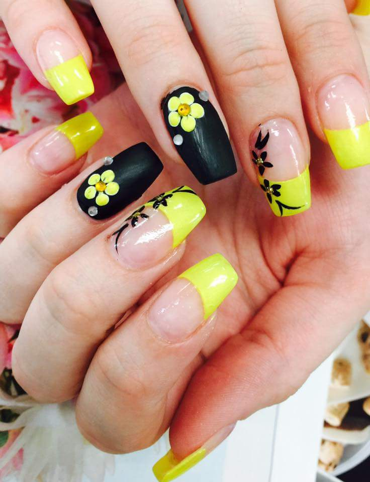 Matte Black And Bright Yellow Combination Flower For Nails