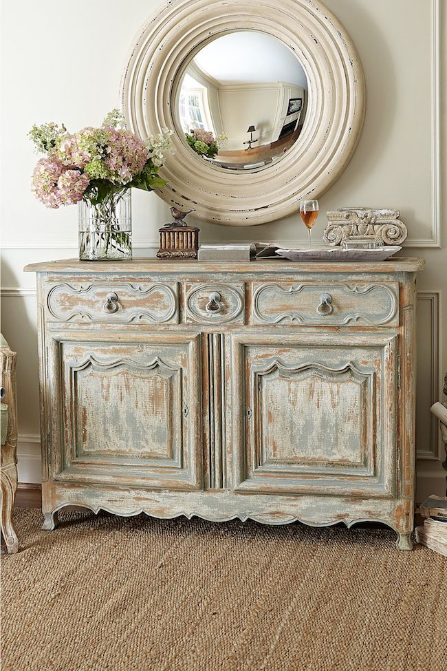 The aged aspect is the characteristic of all furniture with patina