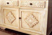A pátina é uma técnica de pintura que deixa o móvel envelhecido.